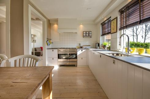 carpentry, kitchen installer, carpenter, cheap renovations, luxury renovation, high end refurbishments,